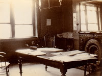 Old picture of an office from the 1800s